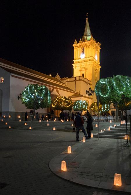 AionSur velas Un pueblo de Huelva se ilumina con velas esta Navidad Huelva