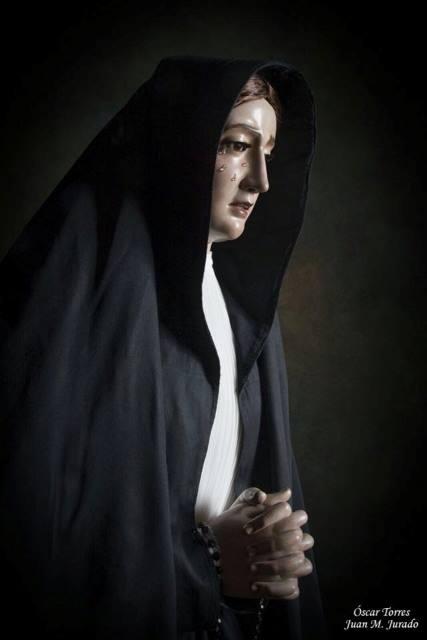 Resultado de imagen de la virgen de la soledad de manto y saya Marchena
