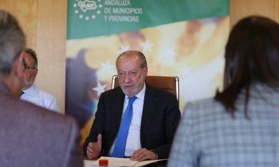 AionSur Rodriguez-Villalobos-400x240 Fernando Rodríguez Villalobos seguirá siendo presidente de la Diputación de Sevilla Política Provincia