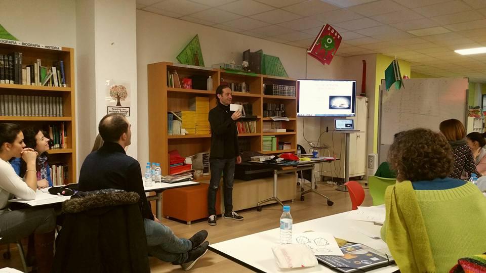 AionSur xuxo Maestros aprenden magia con el profesor de Albaida candidato al Nobel de Educación Educación