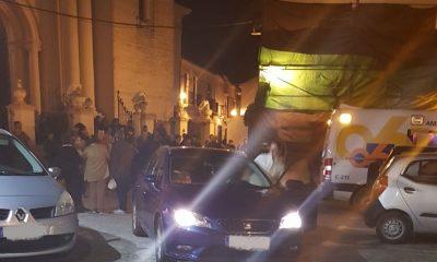 AionSur: Noticias de Sevilla, sus Comarcas y Andalucía 7bb8f17e-cbde-4e5b-bae8-10252064711d-400x240 Herido un contraguía en Arahal al golpearse en la cabeza con la estructura del manto de la Virgen Sucesos
