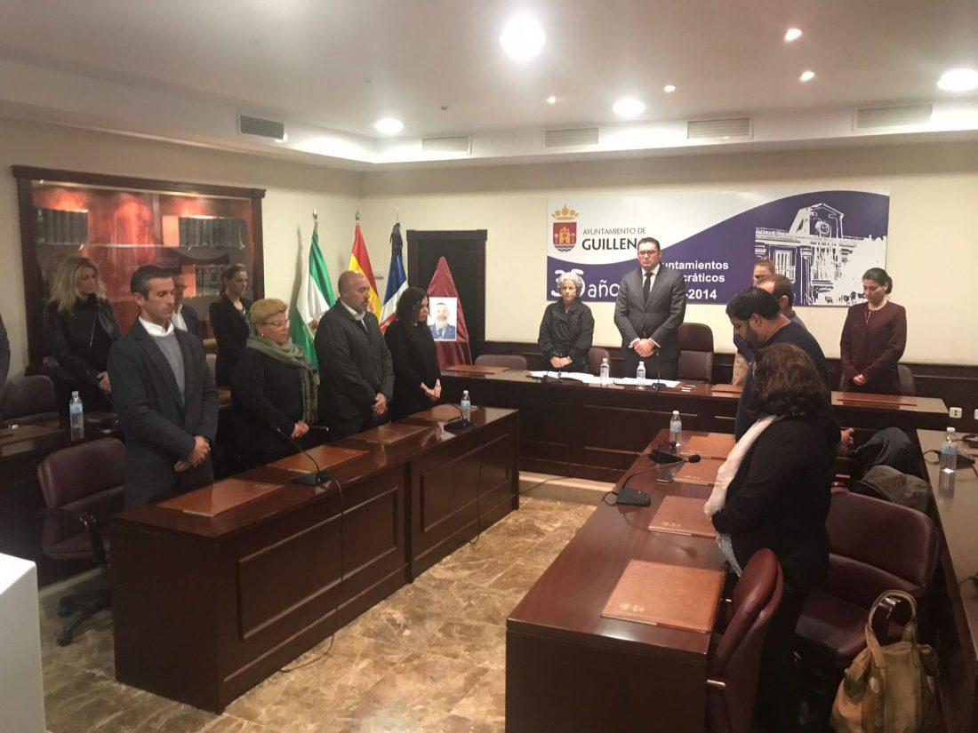 AionSur WhatsApp-Image-2018-03-20-at-17.32.32 El agente Diego Díaz será hijo adoptivo de Guillena Sucesos