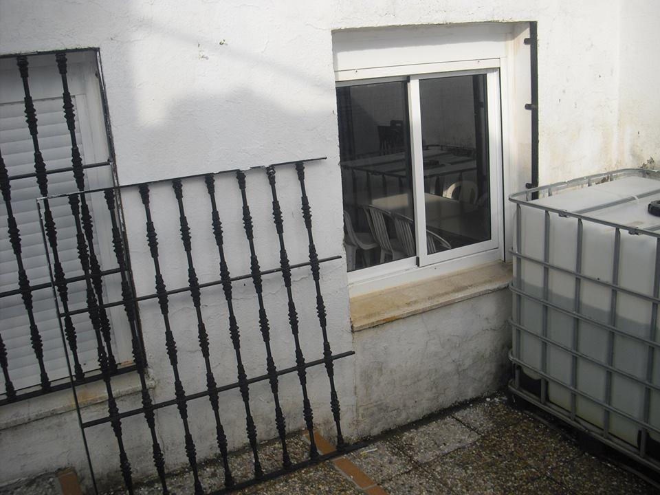 AionSur andujar Atentan contra la sede de la cofradía de Sevilla en Andújar Sucesos