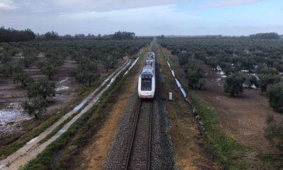 AionSur tren-400x240 Adif invertirá más de nueve millones en el tramo ferroviario Arahal-Fuente de Piedra Arahal Economía