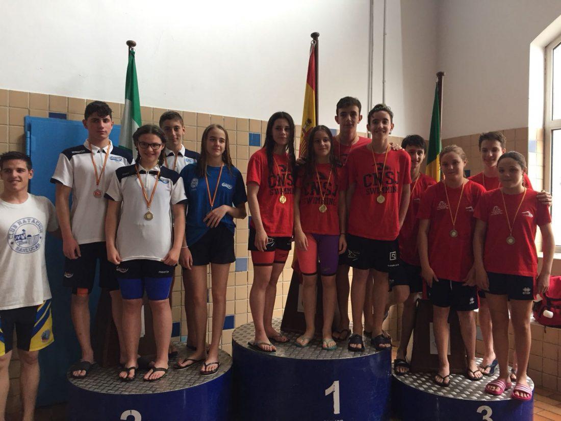 AionSur Plata-del-relevo-4x50 Buen papel de los nadadores utreranos en el XXXV Trofeo de El Puerto Deportes