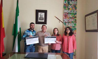 AionSur Roda-cheques-400x240 La Banca Pública de La Roda entrega dos nuevos microcréditos La Roda de Andalucía