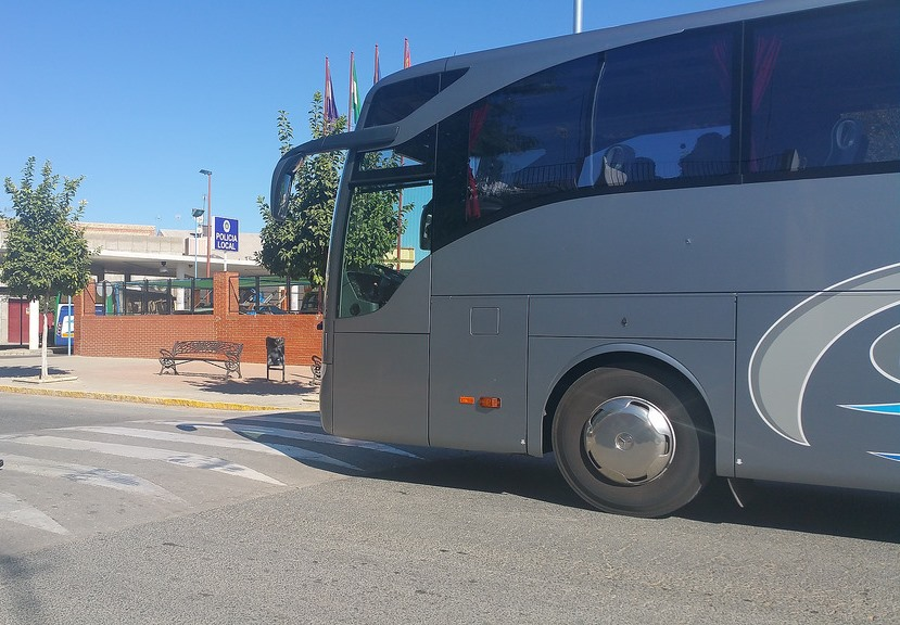 AionSur Autocares-valenzuela Convocan cinco días de huelga en Valenzuela por retrasos en los cobros Empresas