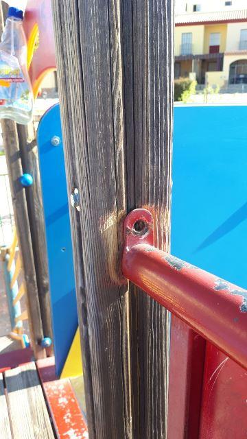 AionSur e3d072f7-e5db-4e14-85fd-b3f67562e74a Una vez al mes se desinfectan los parques infantiles en Arahal Arahal