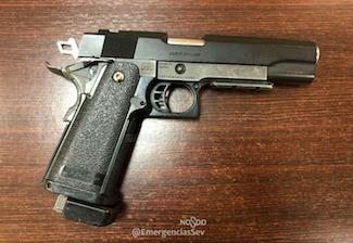 AionSur pistola Se enfrenta a una multa de 600 euros por llevar en el coche una pistola simulada Sucesos