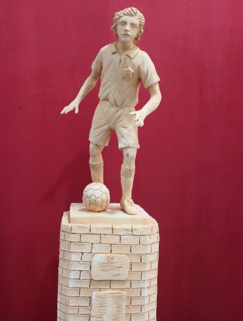 AionSur Monumento-coria Los futbolistas históricos de Coria del Río tendrán un monumento junto al estadio Guadalquivir Deportes