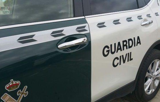 AionSur guardia-coche-560x360 Cinco imputados por falsificar documentación de furgonetas usadas para contrabando Ecija Provincia