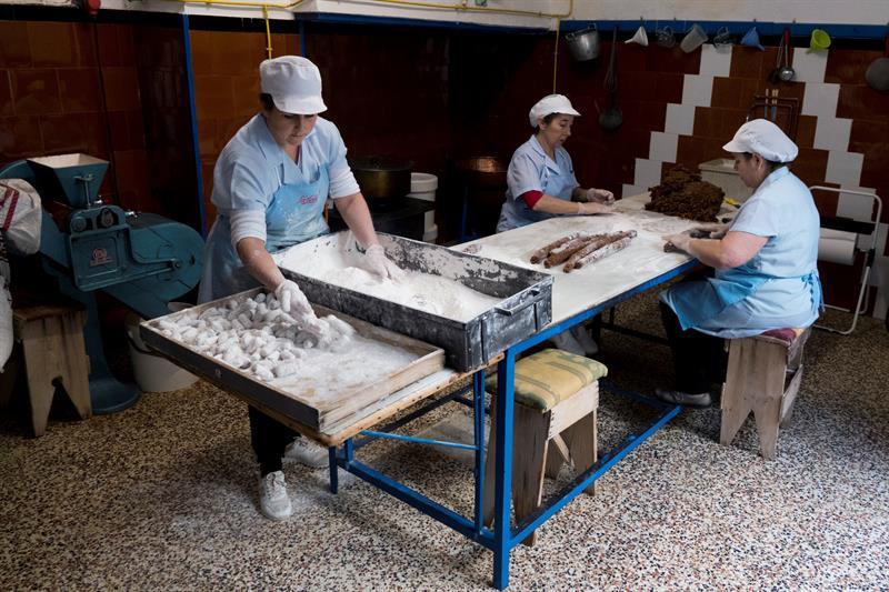 AionSur mantecado-estepa Estepa producirá este año un 5 % más de mantecados y polvorones Economía Estepa