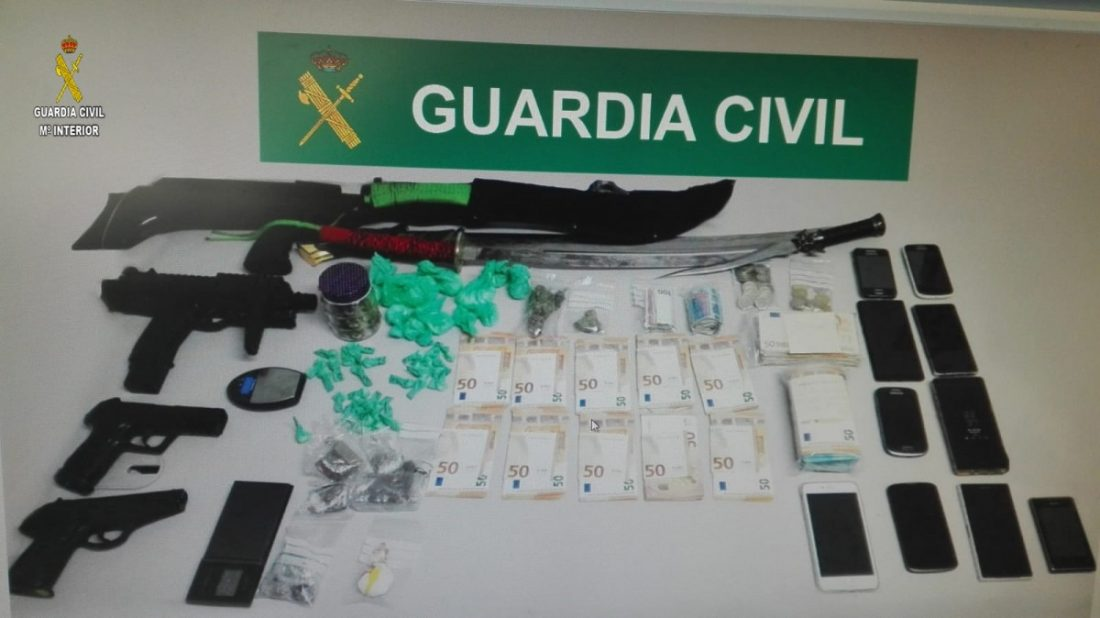 AionSur palacios-drogas Tres detenidos en Los Palacios por tráfico de drogas e intervenidas numerosas catanas Sucesos