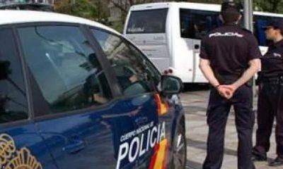 """AionSur: Noticias de Sevilla, sus Comarcas y Andalucía policia-nacional-400x240 Detenido en Alcalá por amenazar a su pareja porque en el trabajo """"la gente le mira el culo"""" Alcalá de Guadaíra Sucesos Violencia Machista"""