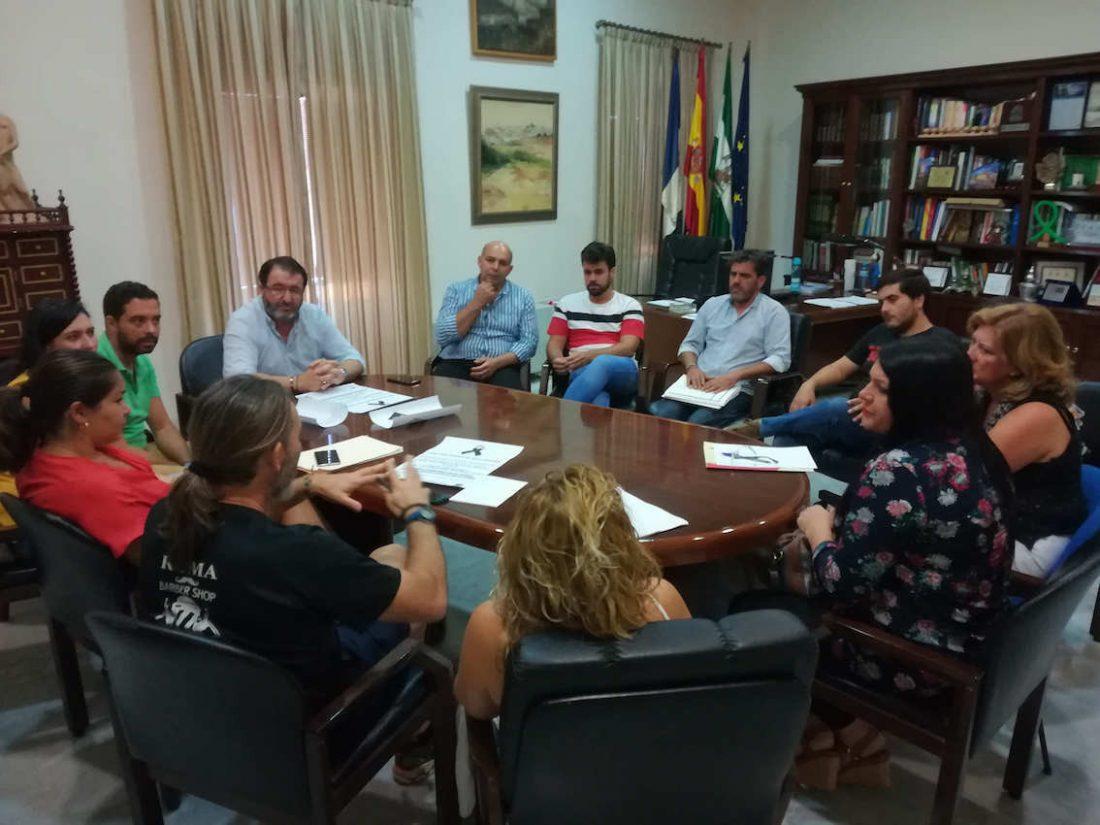 AionSur reunion-alcalde-CARMONA Carmona pide un cambio de la Ley que permita contratar más policías Sucesos