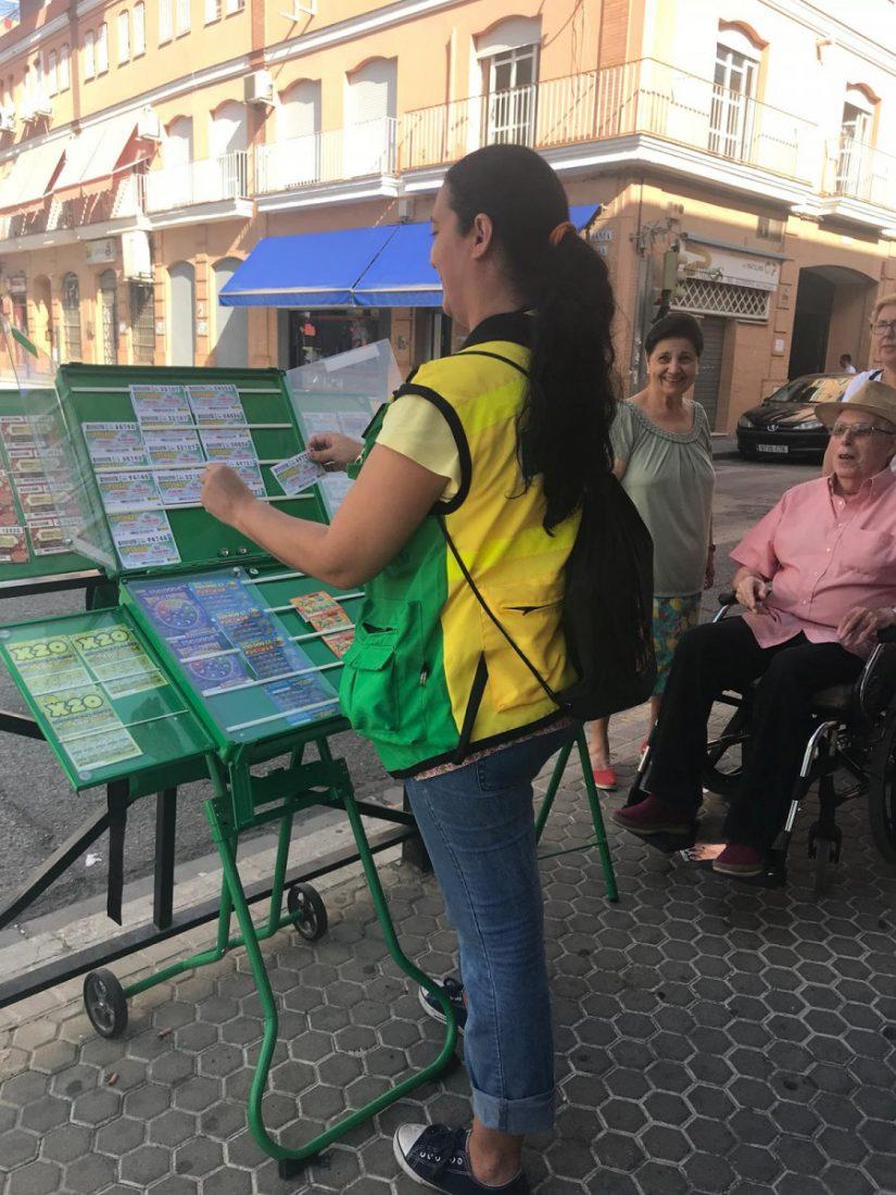 AionSur Cuponera_Camas Los vecinos de Camas se vuelcan con una vendedora de cupones a la que robaron en agosto Sucesos  destacado