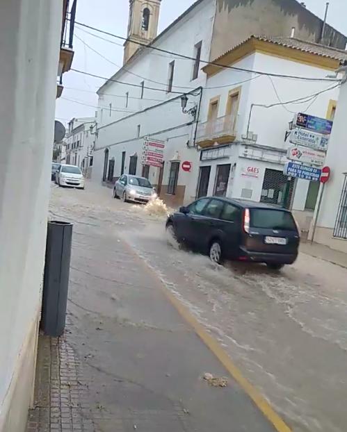 AionSur Osuna_lluvia Inundaciones en Osuna por las fuertes lluvias, que obligan a cortar la vía del tren Osuna Sucesos