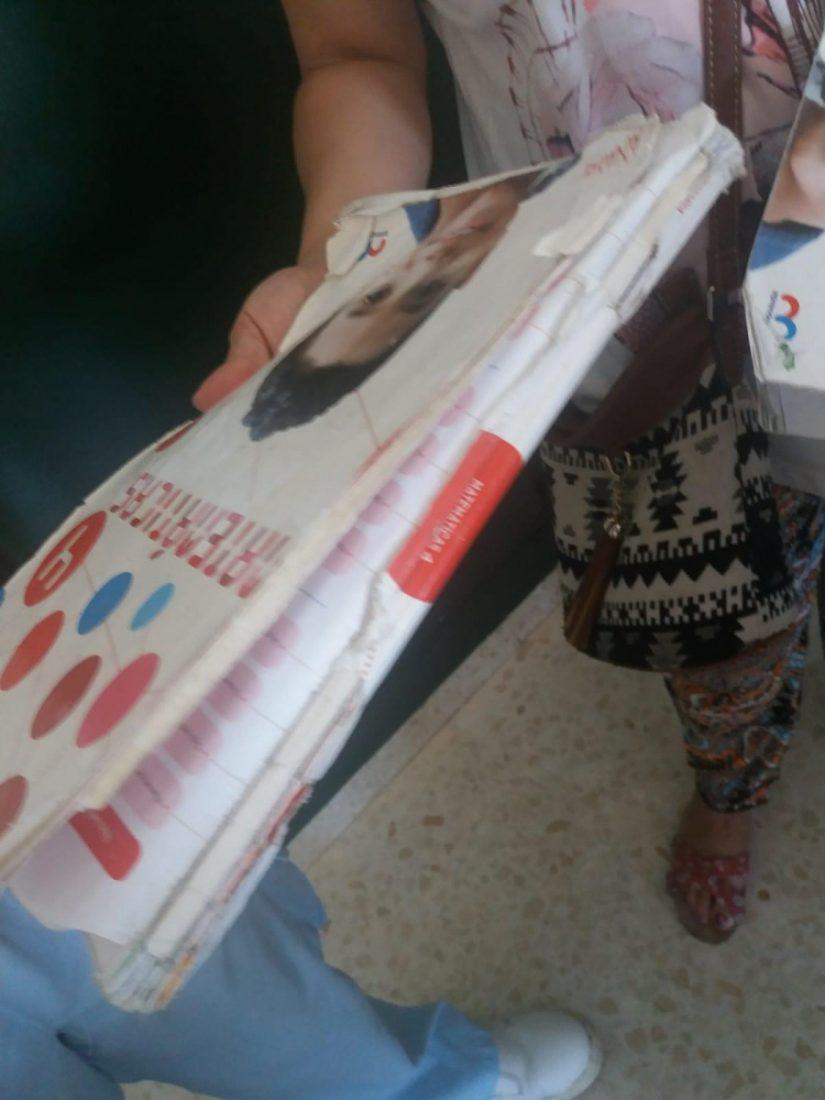 AionSur PP-denuncia-libros El PP de Sevilla alerta del mal estado de los libros de texto gratuitos que está entregando la Junta Provincia