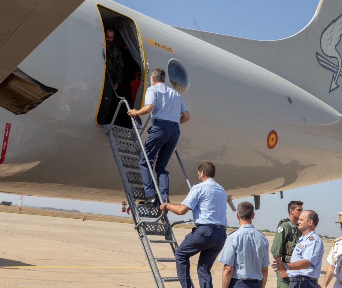 AionSur Rey-Felipe-Moron El Rey comprueba, diez años después de su última visita, que la Base de Morón es puntera en España Morón de la Frontera