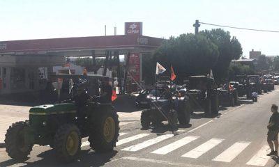 AionSur Tractores_aznalcollar-400x240 Inician en Aznalcóllar las tractoradas que reclaman mejores precios para la aceituna sevillana Agricultura Economía