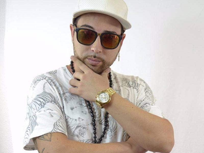 AionSur a202154762_s800b1b5-800x600 IU y Participa de Carmona rechazan que Ofi La Melodía actúe en las fiestas locales Carmona