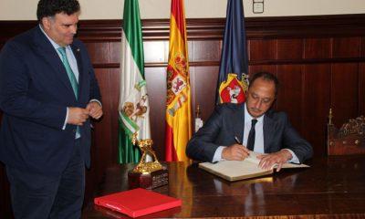 AionSur alcalde-Morón-gobierno-400x240 Gómez de Celis anuncia la reforma de la ley de financiación de ayuntamientos para solucionar las deudas Morón de la Frontera
