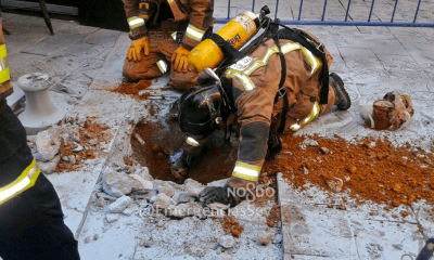 AionSur bomberos-gas-400x240 Herido un operario en Sevilla al perforar una bolsa de gas con un percutor Sucesos