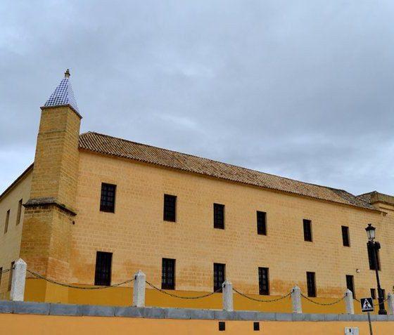 AionSur escuela-universitaria-Osuna-560x477 Del 1 al 26 de octubre se celebra la XV Edición de los Cursos de Otoño Osuna