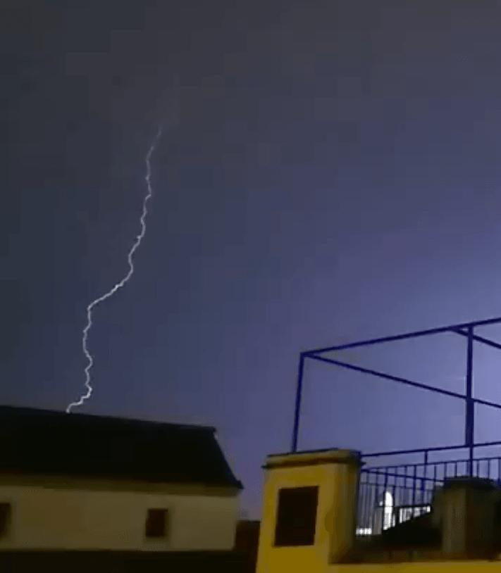 AionSur tormenta-compressor Más de 70 incidencias por la lluvia en varios municipios de Sevilla Sucesos  destacado