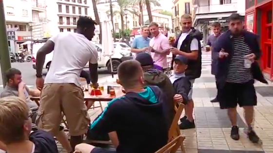 AionSur Captura-de-pantalla-2018-10-15-a-las-19.00.42-560x314 La Policía identifica a un hooligan tras amenazar y agredir a un equipo de Andalucía Directo Sucesos  destacado