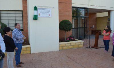 AionSur Descubrimiento-de-placa-400x240 La Roda dota de ascensores al centro de adultos y el Ayuntamiento La Roda de Andalucía Provincia