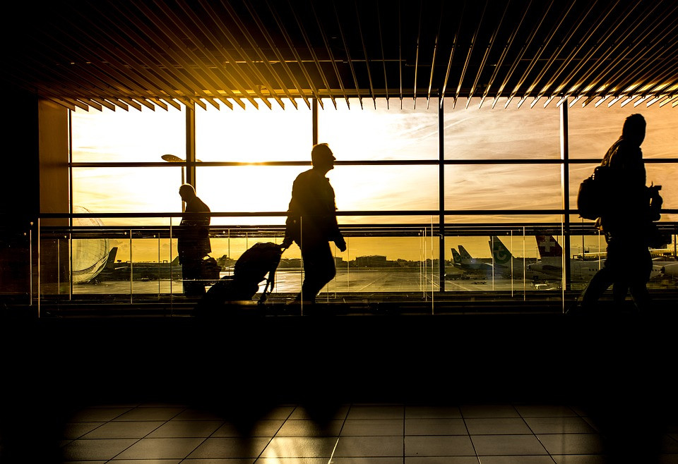 AionSur aeropuerto El aeropuerto de Sevilla cerró septiembre con 563.301 pasajeros, la mejor cifra de su historia Economía