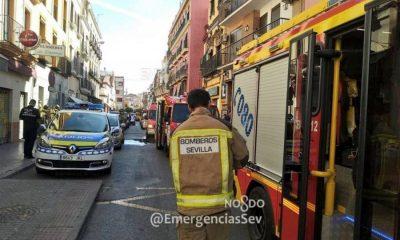 AionSur emergencias-sevilla-400x240 Encuentran muerta en un hotel de Sevilla a una pareja de turistas franceses Sucesos