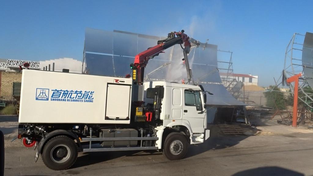 AionSur feniks-1 Feniks entrega tres vehículos para limpiar la primera planta termosolar de concentración China Economía Empresas