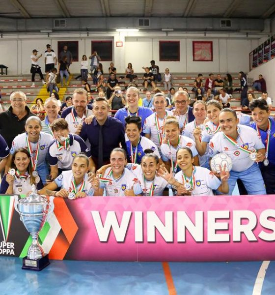 AionSur supercampeonas-560x600 Otro título más para Amparo Jiménez Deportes Fútbol Sala  destacado
