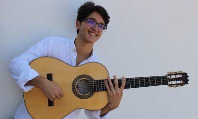 AionSur Davida-Arahal-guitarra-400x240 David de Arahal acompañará a Manuel de la Tomasa en la celebración del Día del Flamenco en Huelva Flamenco