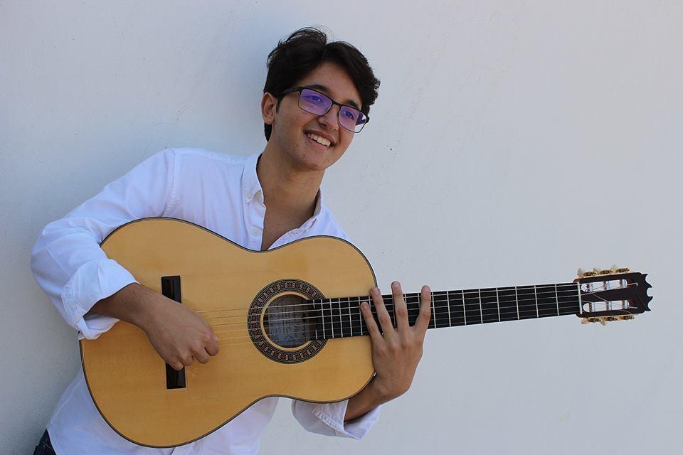 AionSur Davida-Arahal-guitarra David de Arahal acompañará a Manuel de la Tomasa en la celebración del Día del Flamenco en Huelva Flamenco