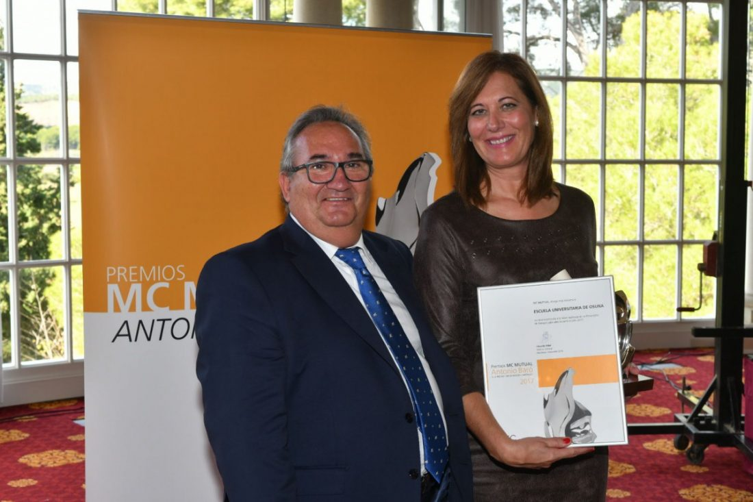 """AionSur entrega-Osuna-premio La Fundación Pública de Estudios Universitarios de Osuna, premio """"Antonio Baró"""" a la Prevención de Riesgos Laborales Osuna"""
