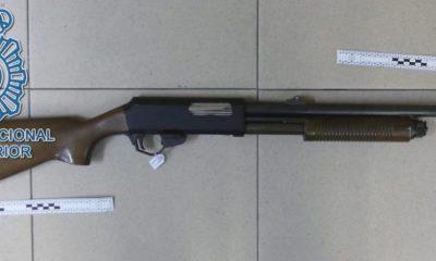 AionSur escopeta-400x240 Detenido por tirotear con una escopeta a unos vecinos de su barrio Sucesos