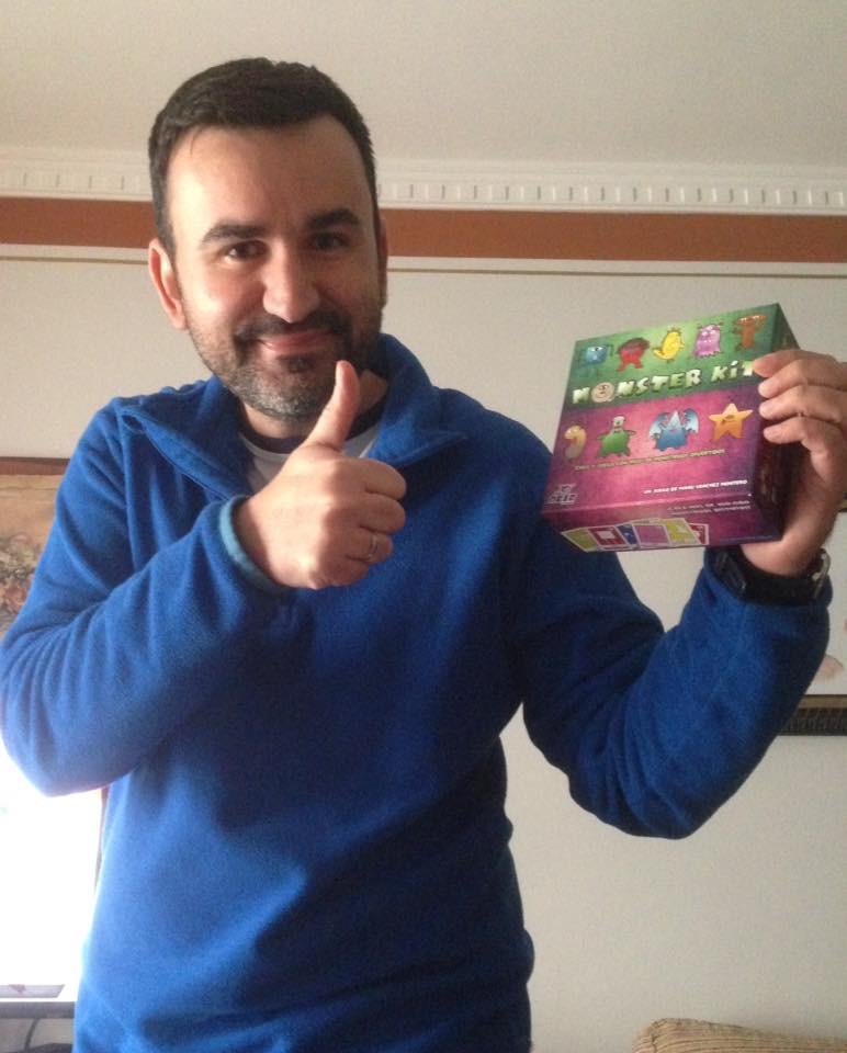 AionSur manu-sanchez-maestro El maestro Manu Sánchez gana otro premio con su nuevo juego de mesa Educación  destacado