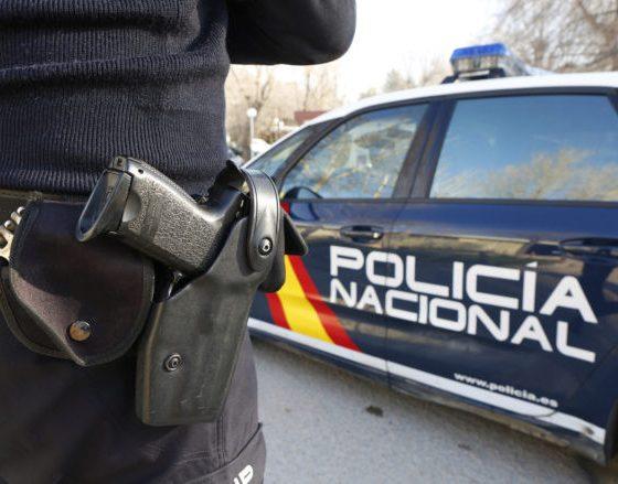 AionSur policianacional-560x439 Detenido un hombre de 73 años tras más de medio siglo maltratando a su mujer Sevilla Sucesos destacado