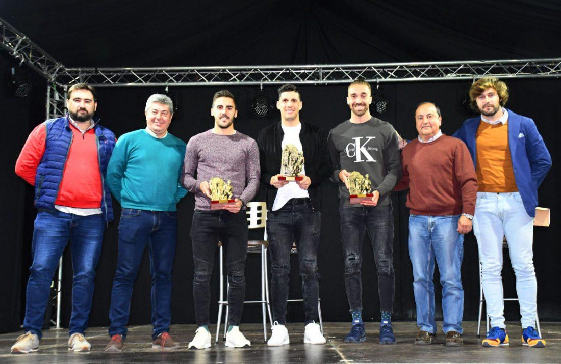 AionSur CHARLA-FUTBOLISTAS-EN-CASA-CULTURA Tres futbolistas de Osuna animan la Navidad en la localidad Osuna