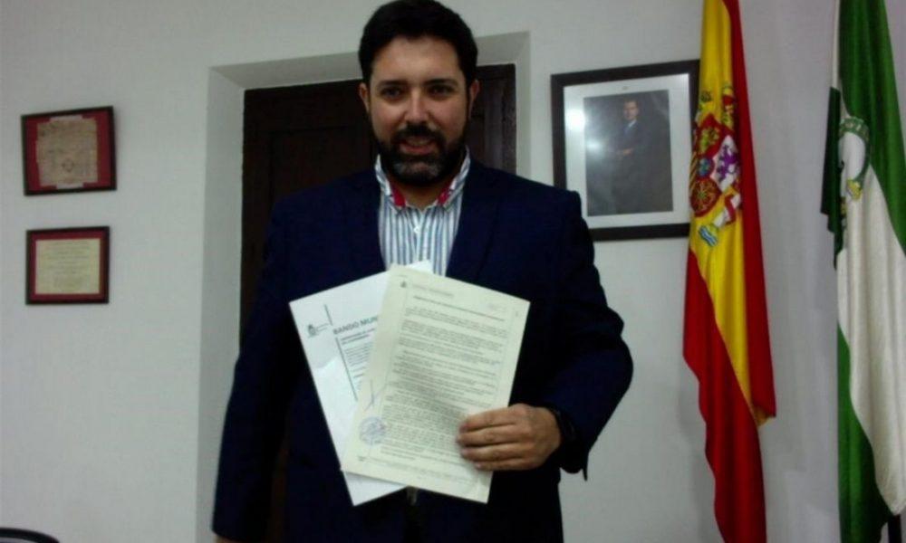 AionSur LoraAlcalde-1000x600 El alcalde de Lora del Río denuncia la difusión de un falso bando municipal Provincia  destacado