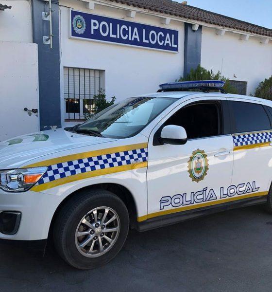 AionSur policía-local-Arahal-560x600 La Policía Local de Arahal detiene a un vecino de la localidad por agredir a su pareja Arahal Sucesos  destacado