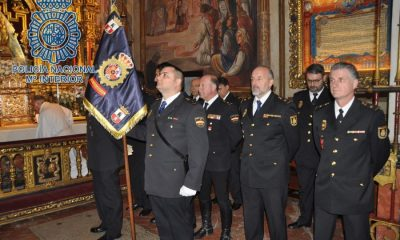 AionSur policia-medalla-400x240 La hermandad de Valme entrega su medalla a la Policía Nacional Dos Hermanas Sociedad