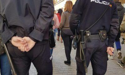 """AionSur policia-nacional-sevilla-400x240 Detenidas 48 personas acusadas de estafa por el timo del """"nazareno"""" Sevilla Sucesos"""