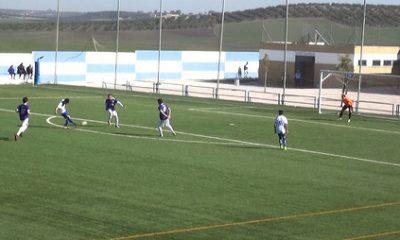 AionSur 32864130578_cc9c507839-1-400x240 El CD Arahal sigue con paso firme hacia el ascenso Deportes Fútbol