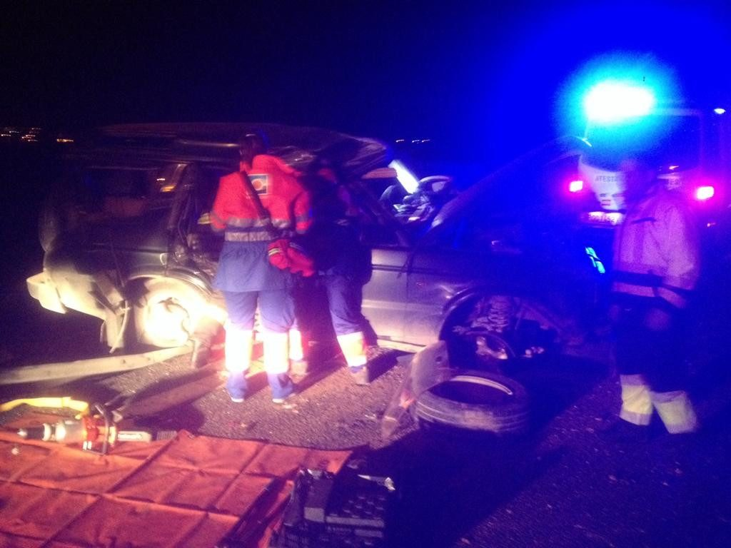 AionSur Arahal-A92-accidente-1024x768 Aparatoso accidente en la A92 a su paso por Arahal, sin heridos Sucesos