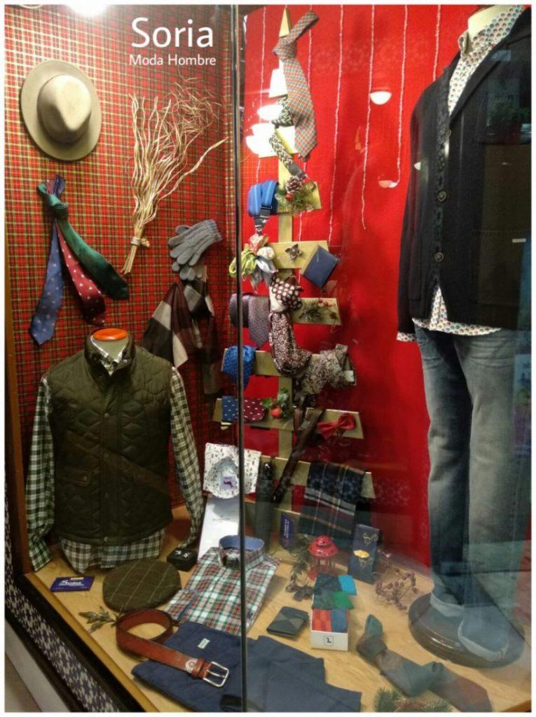 AionSur Arahal-modas-Soria-765x1024 Soria Moda Hombre gana el concurso de escaparates de Navidad de ACIA