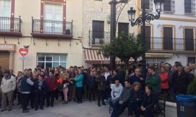 AionSur Casariche-disturbios-rumanos-400x240 Casariche se echa a la calle exigiendo tranquilidad y seguridad para su pueblo Sucesos  destacado